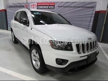 Jeep Compass 4x2 Latitude Aut usado (2015) color Blanco precio $205,000
