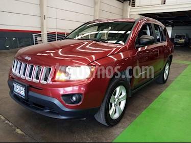 Jeep Compass Latitude usado (2015) color Rojo Cerezo precio $219,000