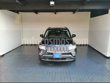 Jeep Compass 5p Limited 4x2 L4/2.4 Aut usado (2015) color Negro precio $237,800
