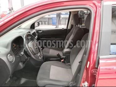 Foto Jeep Compass 5P LATITUD 4X2 L4/2.4 AUT C/CAM usado (2014) color Rojo precio $195,000