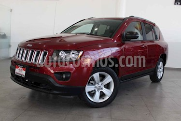 Jeep Compass 5p Latitud 4x2 L4/2.4 Aut c/Cam y B/A usado (2016) color Rojo precio $249,000