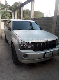 Jeep Grand Cherokee Limited 4.7L Aut 4x2 usado (2006) color Plata precio u$s4.900