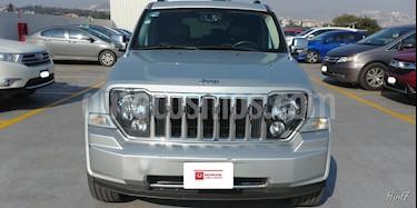 Foto venta Auto Seminuevo Jeep Liberty 5p Limited 4x2 V6/3.7 Navegacion Aut (2011) color Plata precio $194,000