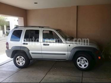 Foto venta Auto Seminuevo Jeep Liberty Limited 4X2 (2005) color Gris precio $80,000