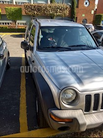Jeep Liberty Limited 4X2 usado (2004) color Plata precio $86,000