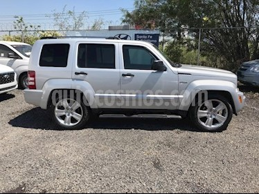 Foto venta Auto usado Jeep Liberty Limited JET 4x2 (2013) color Plata precio $229,000