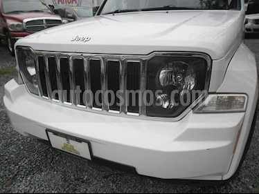 Jeep Liberty Limited 4X2 usado (2012) color Blanco precio $172,000