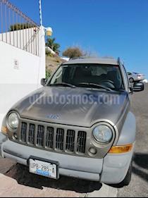 Jeep Liberty Sport 4X2 usado (2006) color Bronce precio $82,000