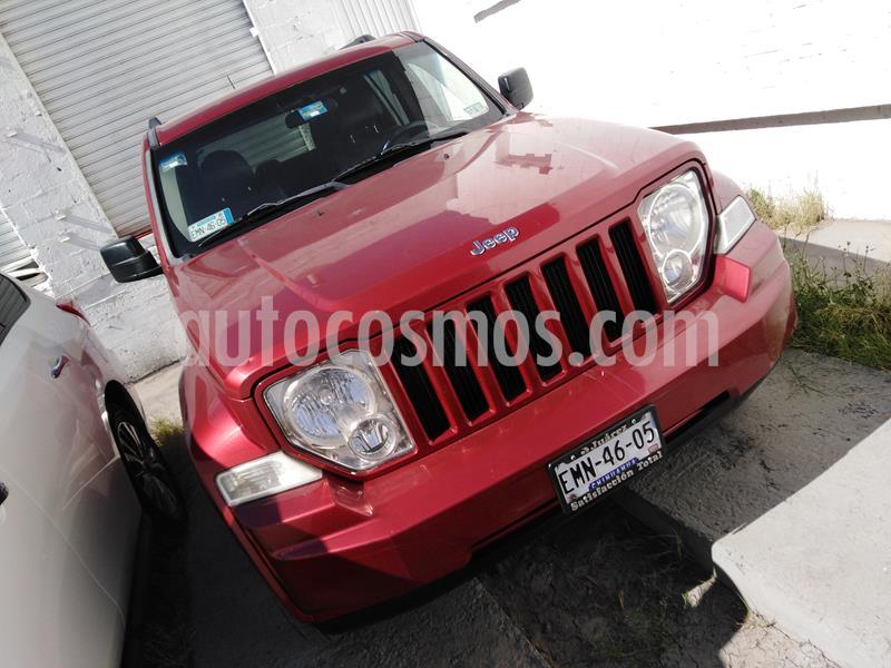 Jeep Liberty Sport 4x2 usado (2013) color Rojo Cerezo precio $185,000