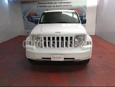 Jeep Liberty Sport 4x2 usado (2013) color Blanco precio $190,000