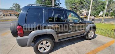 Jeep Liberty Sport 4X2 usado (2006) color Negro precio $87,000