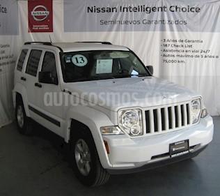 Foto venta Auto usado Jeep Liberty Sport 4x2 Piel  (2013) color Blanco precio $185,000