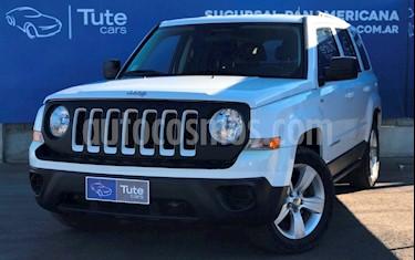 Foto Jeep Patriot 2.4 Sport Aut usado (2013) color Blanco precio $600.000