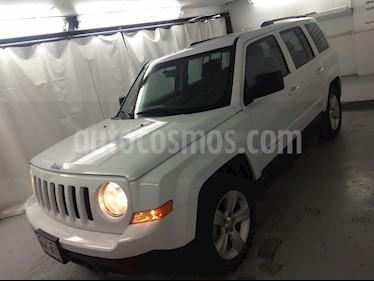 Foto Jeep Patriot 4x2 Sport Aut usado (2015) color Blanco precio $195,000