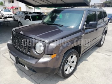 Foto Jeep Patriot 4x4 Limited CVT  usado (2015) color Gris precio $242,000