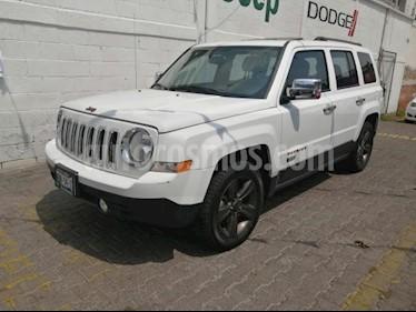 Foto venta Auto usado Jeep Patriot 5p Sport Ed. 75 Aniversario L4/2.4 Aut (2017) color Blanco precio $315,000