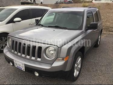 Jeep Patriot 4x2 Latitude Aut  usado (2015) color Plata precio $218,000