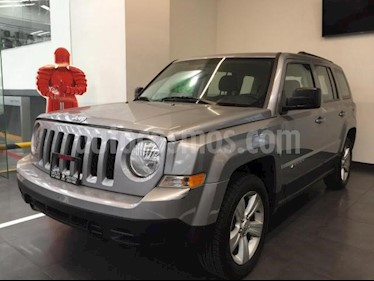 Foto Jeep Patriot 5p Sport L4/2.4 Aut usado (2017) color Plata precio $225,500