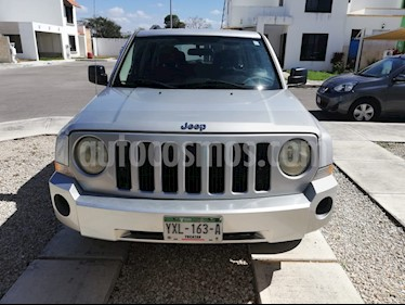 Jeep Patriot 4x2 Base CVT usado (2010) color Plata precio $118,000