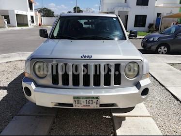 foto Jeep Patriot 4x2 Base CVT usado (2010) color Plata precio $118,000