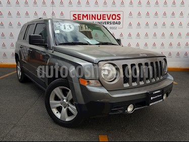 Foto Jeep Patriot 4x4 Limited CVT  usado (2013) color Gris Mineral precio $185,000