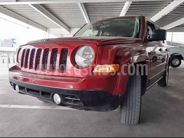 Jeep Patriot 4x2 Latitude Aut  usado (2015) color Rojo precio $180,000