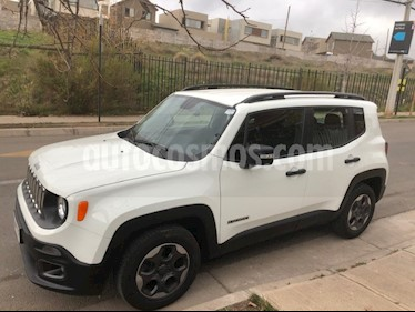 Jeep Renegade 1.8L Sport LX usado (2017) color Blanco precio $9.790.000