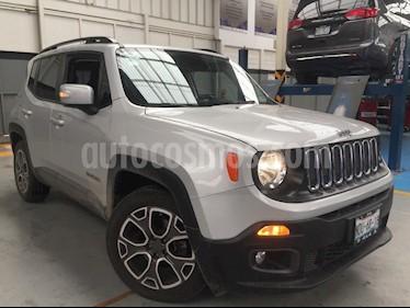 Foto venta Auto Seminuevo Jeep Renegade 4x2 Latitude Aut (2017) color Plata precio $350,000