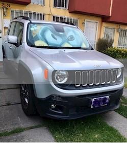 Foto venta Auto usado Jeep Renegade 4x2 Latitude Aut (2017) color Plata Hielo precio $290,000