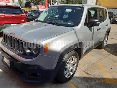 Foto venta Auto usado Jeep Renegade 4x2 Sport Aut (2017) color Plata Hielo precio $282,000