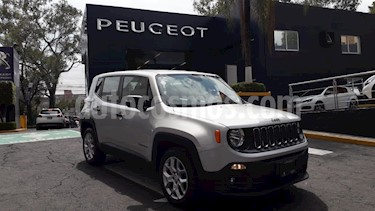 Foto venta Auto usado Jeep Renegade 4x2 Sport Aut (2017) color Plata Hielo precio $284,900