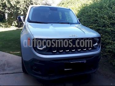 Jeep Renegade Sport usado (2016) color Gris precio $1.100.000