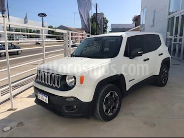 Jeep Renegade Sport usado (2016) color Blanco Alpine precio $920.000
