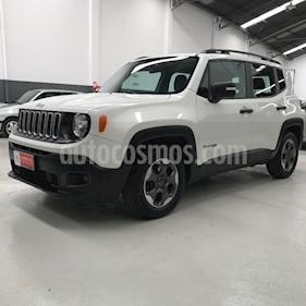 Foto Jeep Renegade Sport usado (2016) color Blanco precio $787.900