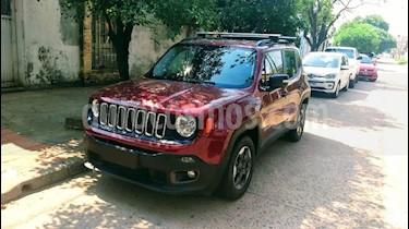 Foto Jeep Renegade Sport Plus usado (2017) color Rojo precio $850.000