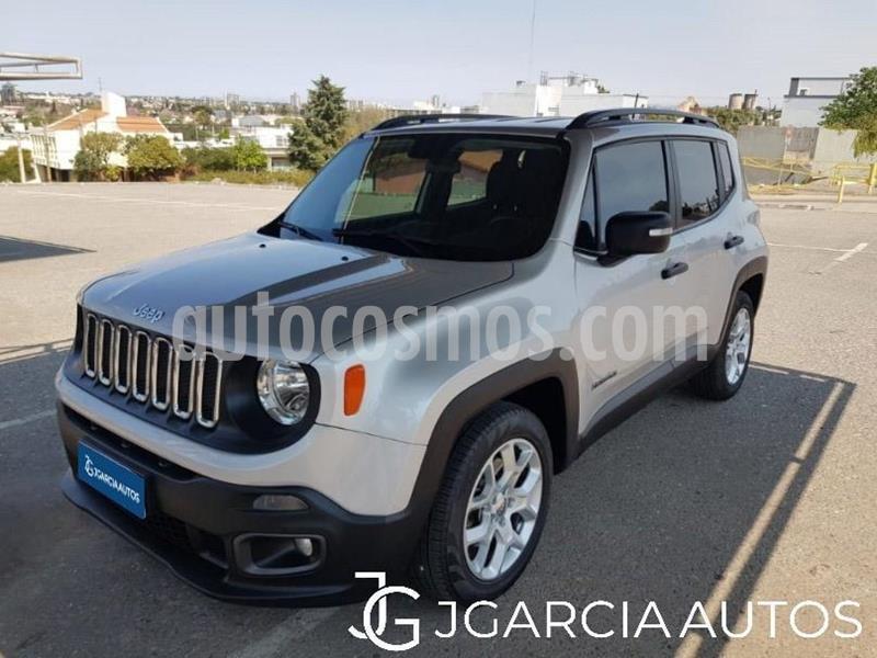 Jeep Renegade Sport usado (2018) color Gris Claro precio $2.450.000