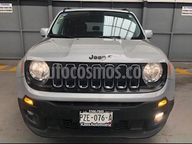 Jeep Renegade 5P LATITUDE TA BA A/AC AUT. PIEL VE RA-18 usado (2017) color Plata precio $310,000
