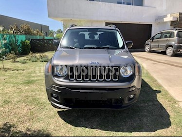 Foto Jeep Renegade Sport Aut Plus usado (2019) color Gris Oscuro precio $1.136.000