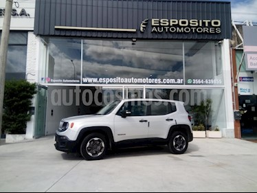 Foto venta Auto usado Jeep Renegade Sport (2017) color Gris Claro precio $660.000