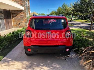 foto Jeep Renegade Sport usado (2019) color Rojo precio $822.000