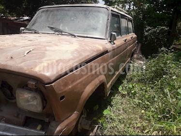 Foto venta carro usado Jeep Wagoneer LTD. 4x4 L6 4.0i (1984) color Marron precio BoF550