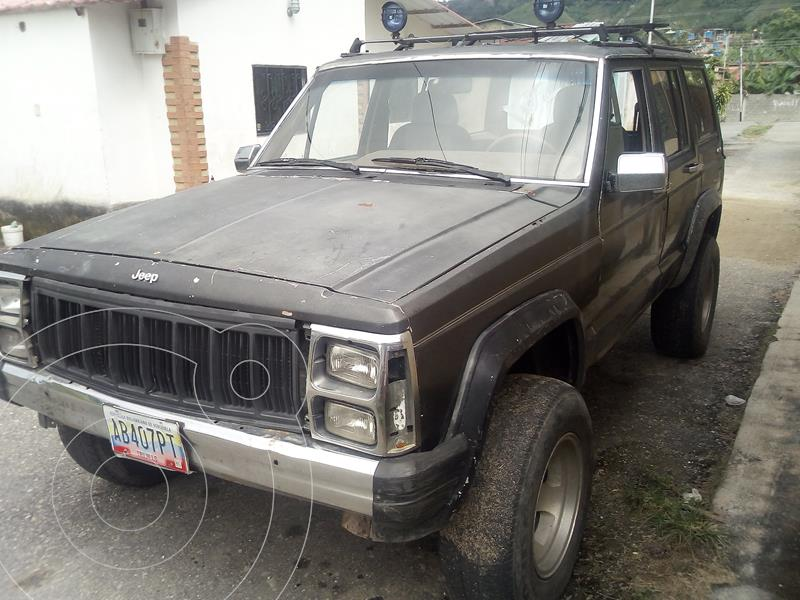 Jeep Wagoneer 4X2 usado (1989) color Negro precio u$s1.400