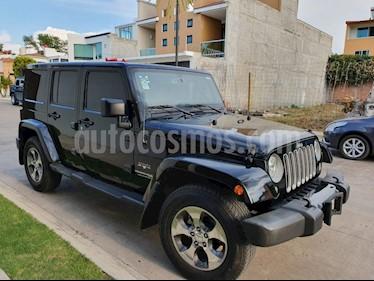 Jeep Wrangler JK Sahara 4x4 3.6L Aut usado (2018) color Negro precio $630,000