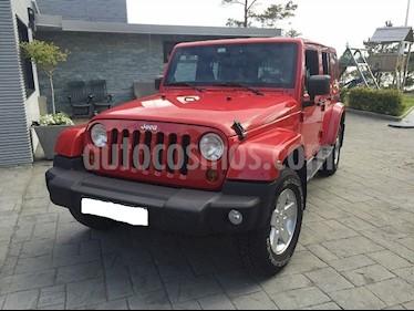 Jeep Wrangler Ltd. 4x4 L6,4.0i A 1 2 usado (2017) color Rojo precio u$s8,000