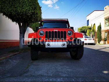 Jeep Wrangler JK Sahara 4x4 3.6L Aut usado (2015) color Rojo precio $520,000