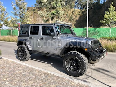 Jeep Wrangler JK Sahara 4x4 3.6L Aut usado (2015) color Plata Martillado precio $550,000