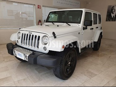 Jeep Wrangler SAHARA 4X4 usado (2017) color Blanco precio $595,000