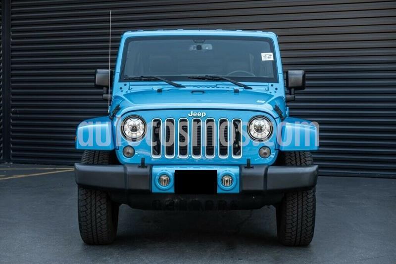 Jeep Wrangler Unlimited Sahara 4x4 3.6L Aut usado (2017) color Celeste precio $450,000