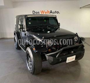 Jeep Wrangler 3p Sahara 4x4 a/a GPS R18 usado (2013) color Negro precio $364,000