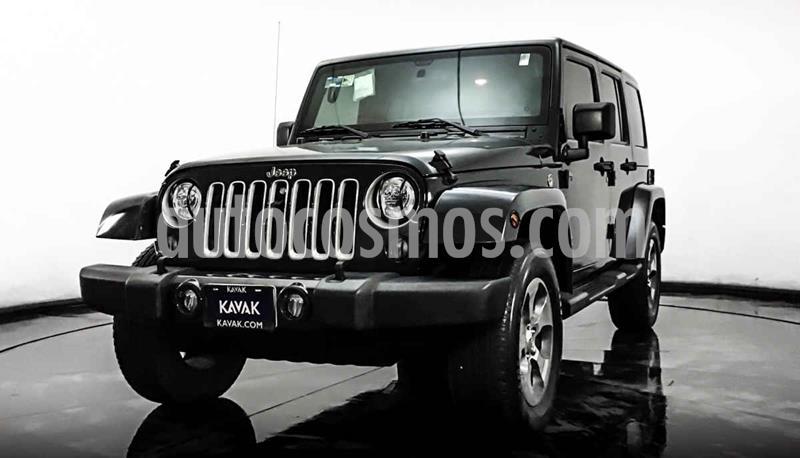 Jeep Wrangler Unlimited Sahara 4x4 3.6L Aut usado (2017) color Gris precio $622,999